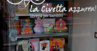 """SAN MARTINO SICCOMARIO – Aperta la libreria per bambini """"La civetta azzurra"""""""